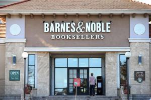 la-et-jc-a-book-chain-shrinks-a-bookstore-is-b-001